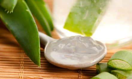 Massage with Aloe vera